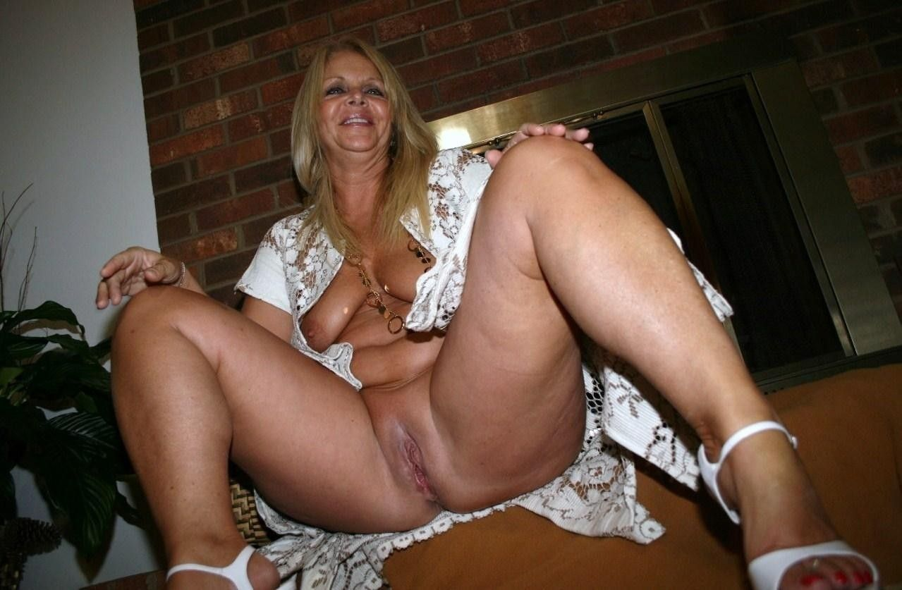 Naked granny sex free