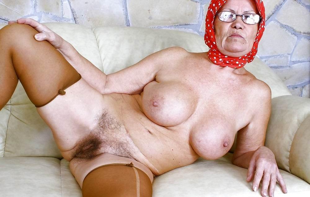 grannies nude free downloads