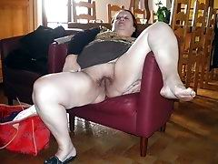Chubby granny flashing her pussy