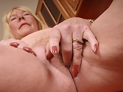 Horny Amateur Mom Using Her Fingers