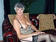 Older amateur In stockings