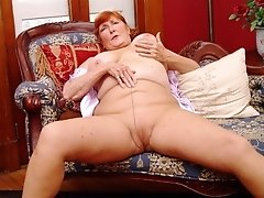 Amateur Mature Moms and Grannies