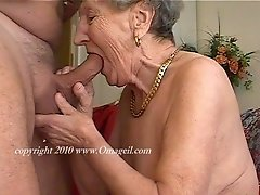 Real old granny sucking a hard cock